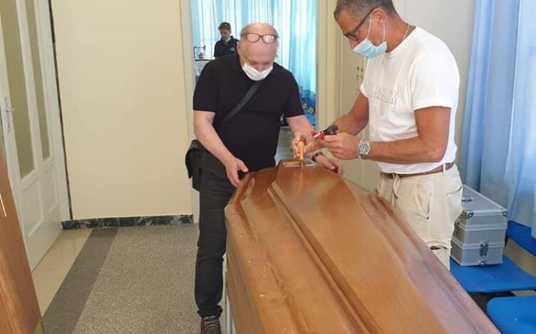 Перевозка умерших из Италии в Украину
