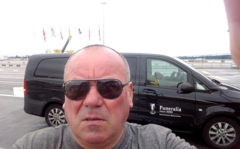 Перевезення померлих зі Швеції в Україну