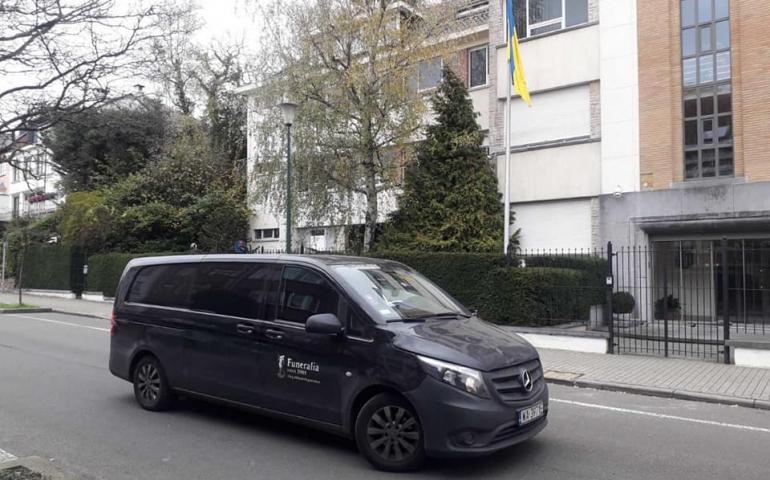 Перевозка умерших из Бельгии в Украину