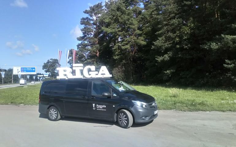Перевозка умерших из Латвии в Украину